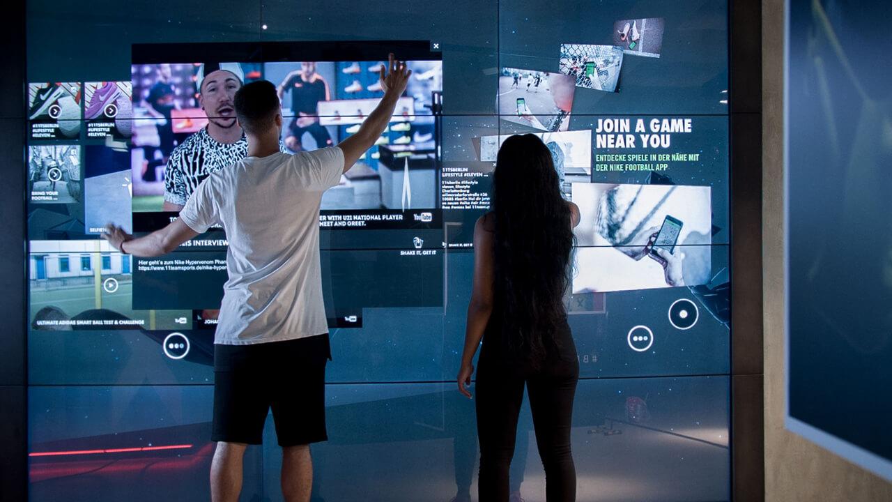 Mur écran tactile monde sportif