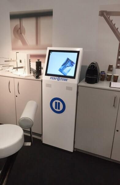 Borne interactive 19 pouces retail XS laboratoire