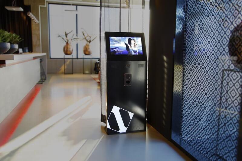 Borne interactive 22 pouces retail S détente