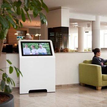 Borne interactive 32 pouces retail M hotellerie
