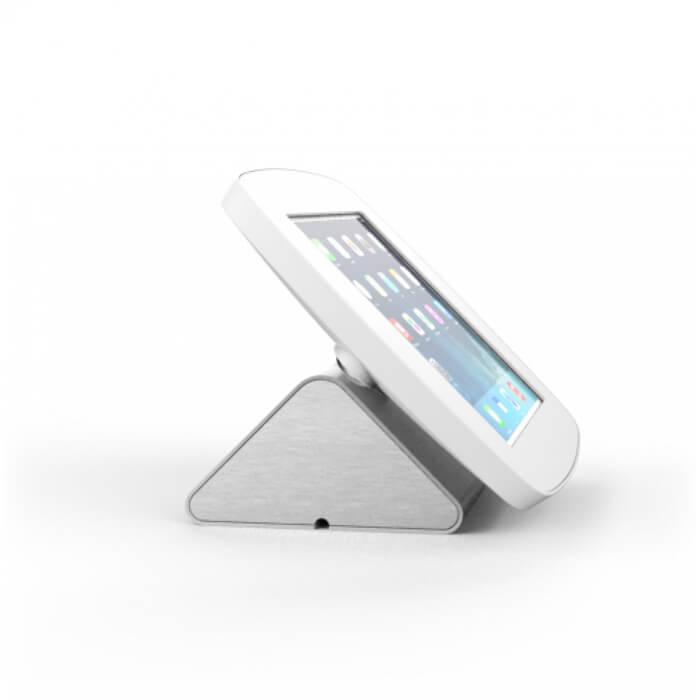 support en aluminium brossé sur borne iPad d'accueil