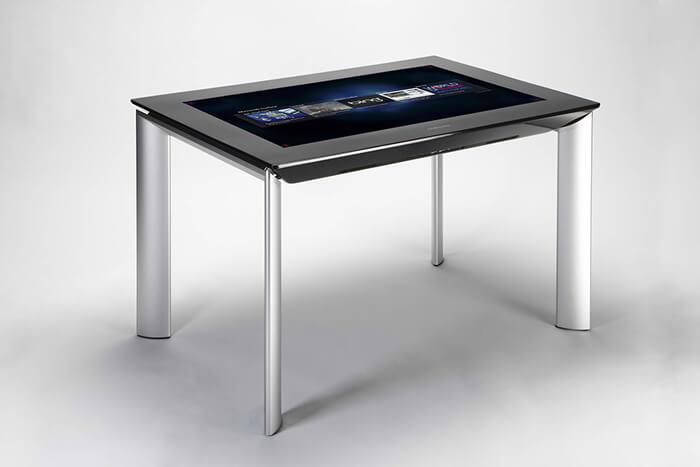 showroom digital avec la Table tactile Microsoft Surface 40 pouces