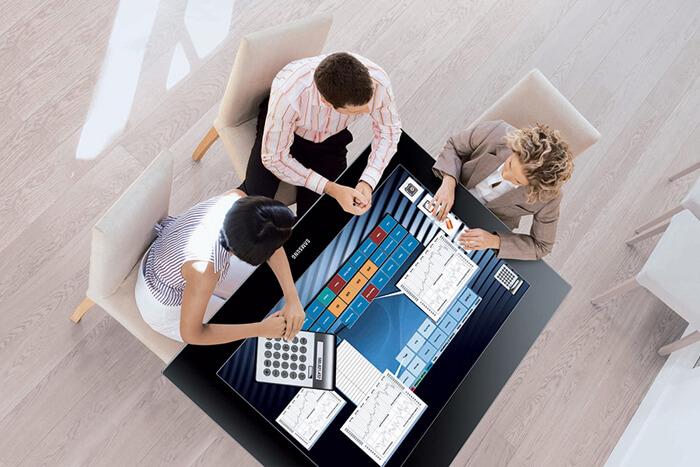 travail collaboratif en entreprise avec la Table tactile Microsoft Surface 40 pouces