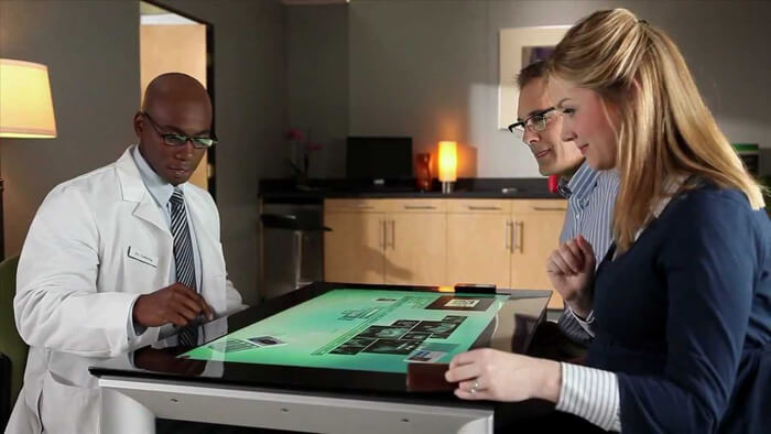 diagnostic digital avec la Table tactile Microsoft Surface 40 pouces