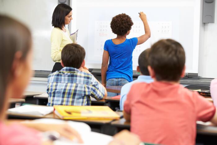 tableau blanc interactif pour l'éducation