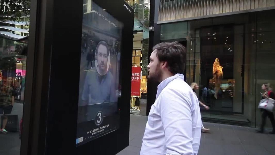 prise de selfie ecran affichage dynamique reconnaissance faciale