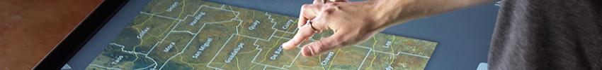 Pupitre tactile 15 pouces cartographie interactive