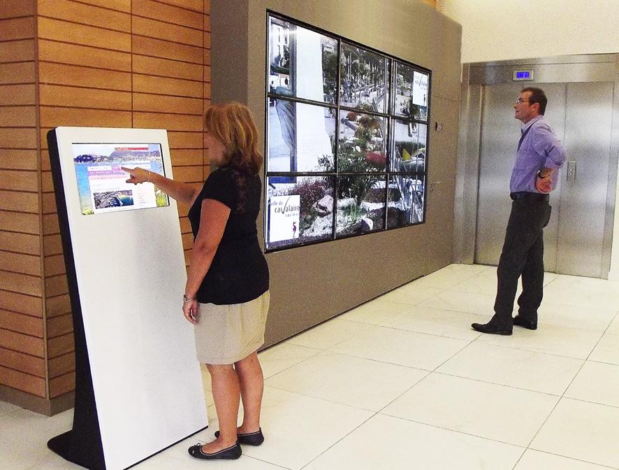 borne interactive mur d'images mairie simplifier démarches