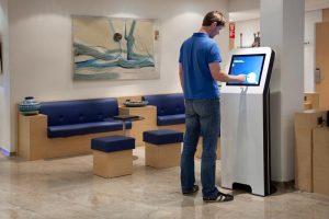 borne tactile accueil mairie pour moderniser service public