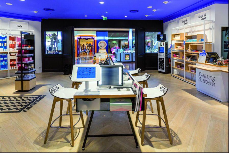 bar à tablettes tactiles écrans d'affichage dynamique point de vente cosmétique