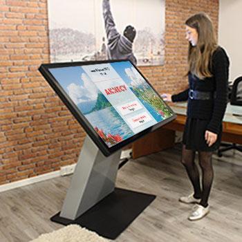 Borne interactive 4K 49 pouces digitale application