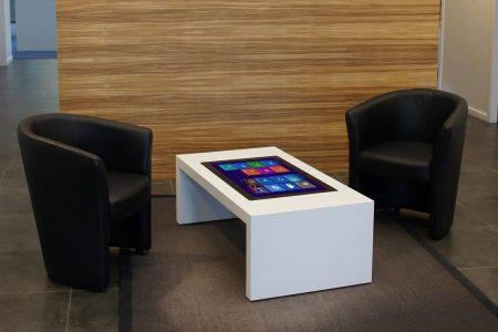 Agrémenter l'attente de ses clients grâce à la table tactile