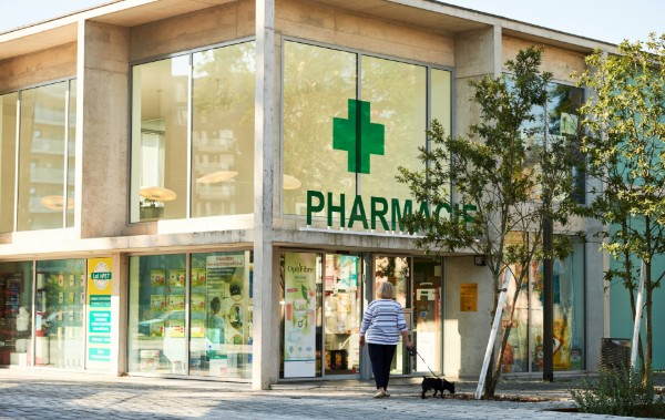 Solution digitalisation vitrine pharmacie et parapharmacie