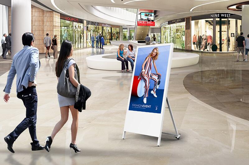 Chevalet numérique d'intérieur en centre commercial