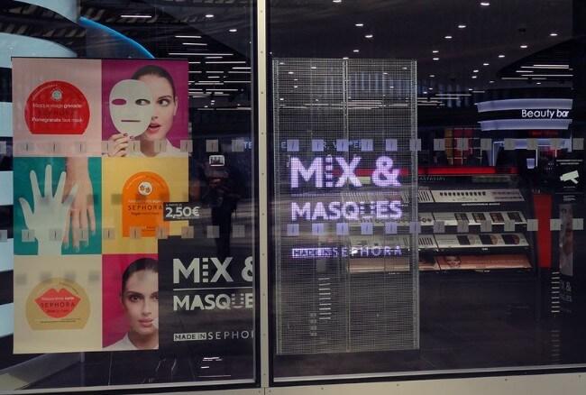 Panneau LED transparent retail