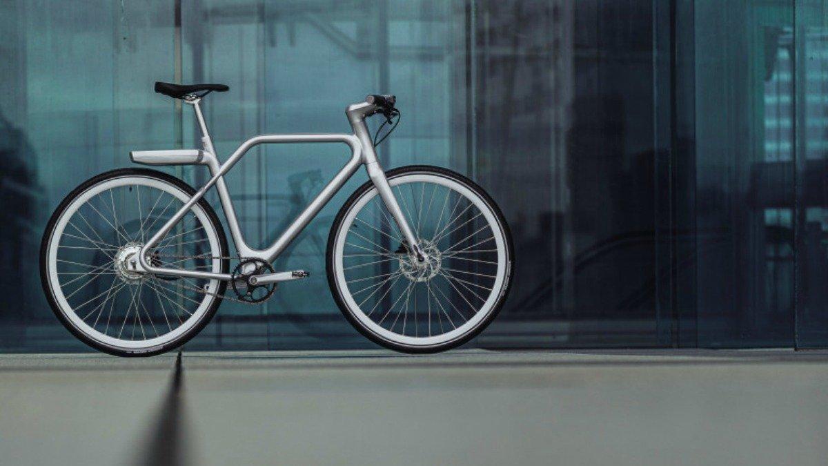 Vélo connecté avec écran tactile