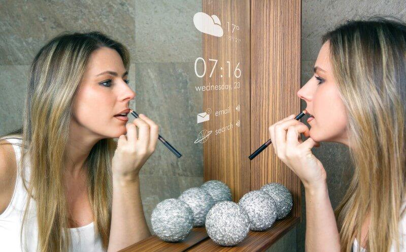 Salle de bain miroir tactile connecté