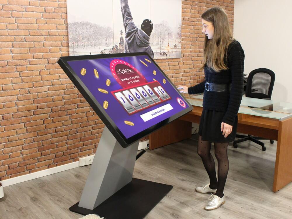 Borne digitale application tactile Le Juste Prix