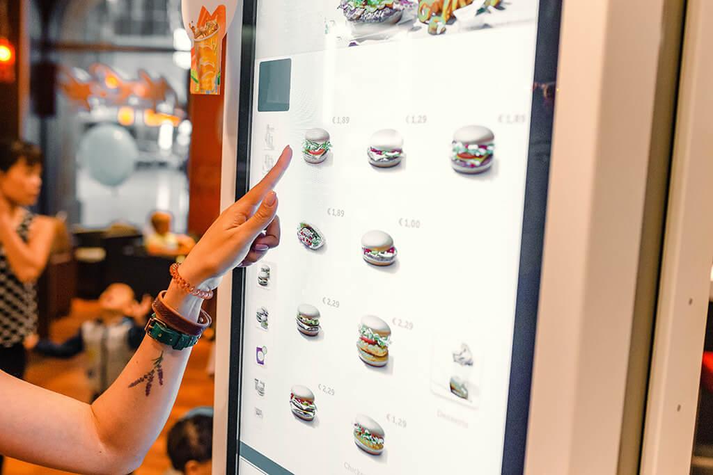 Film antimicrobien de protection pour borne tactile fastfood