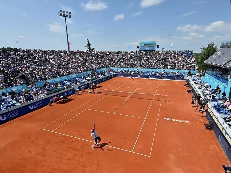 Les bornes tactiles s'installent dans les clubs de tennis