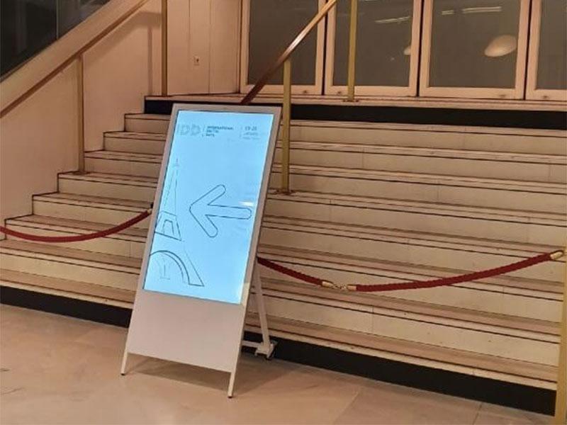 Affichage dynamique événementiel chevalet numérique