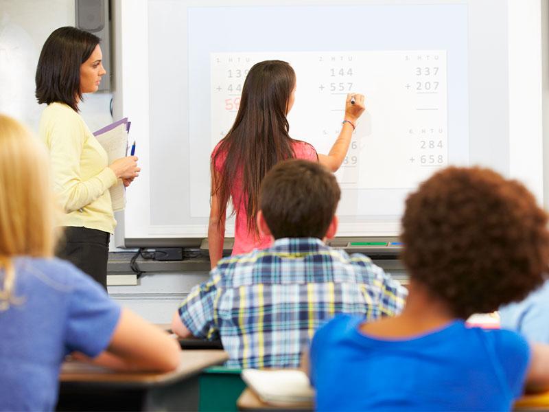 Ecran numérique interactif éducation numérique