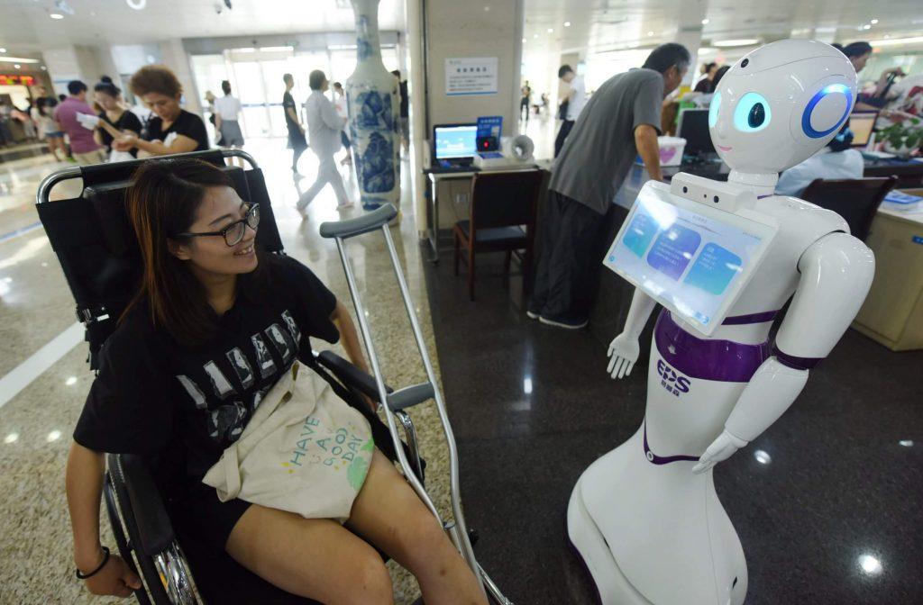 Robot Covid gestes barrières